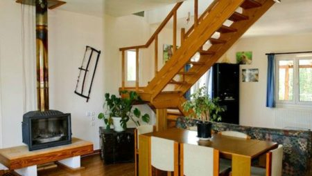 A 0004 Living Room